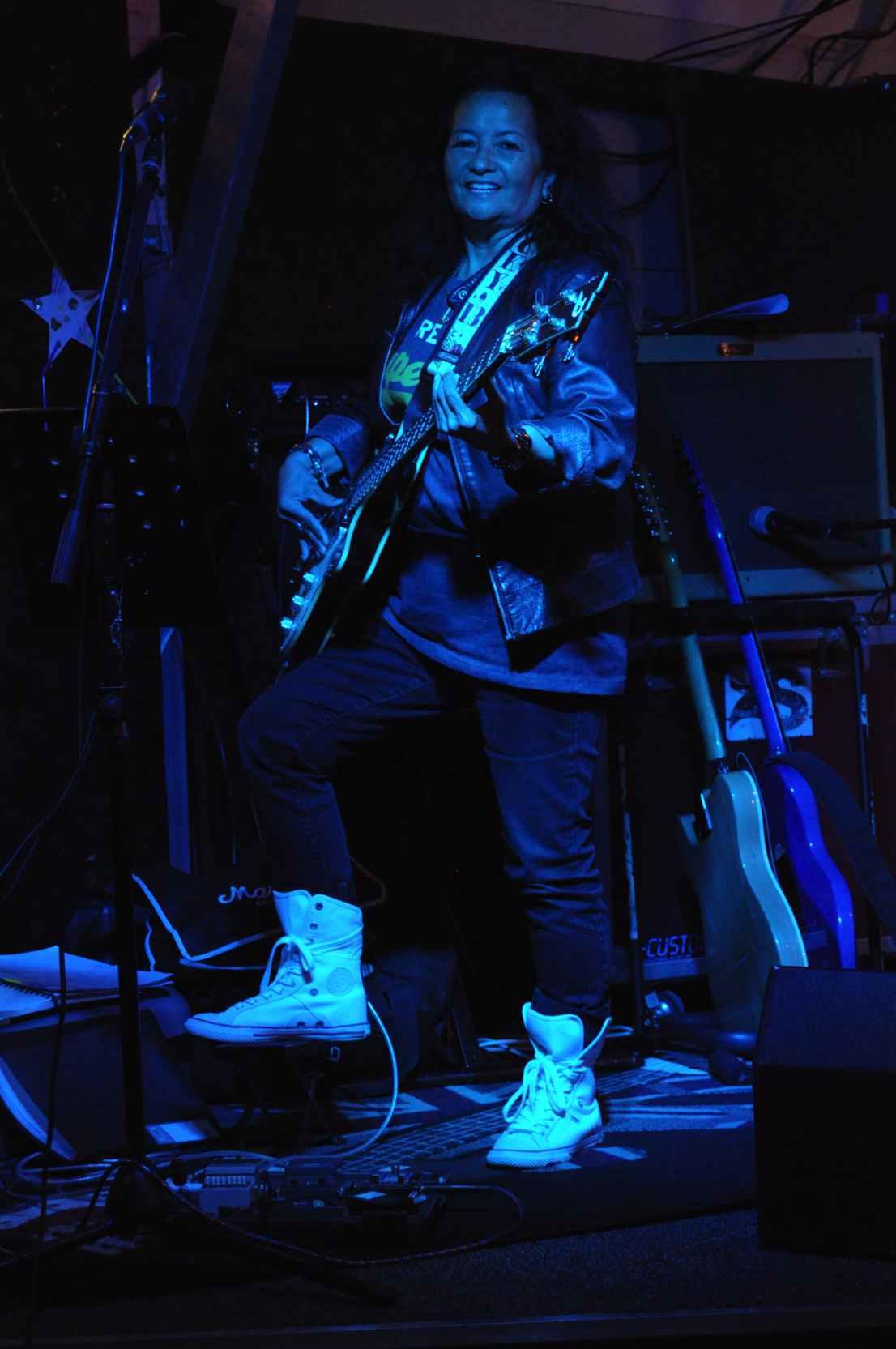 Angie feestmuziek met Coverband Ziggy Stardust Experience Camping de quack
